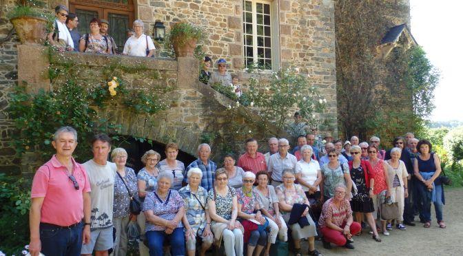 Sortie des participants au concours des maisons fleuries de Cléguérec