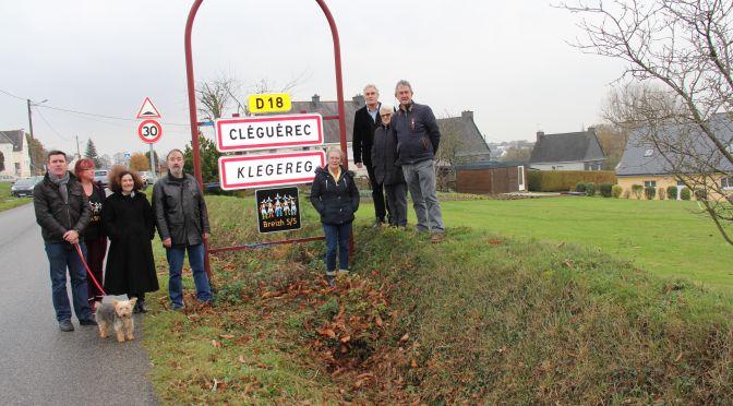 Des panneaux pour la Bretagne à cinq départements